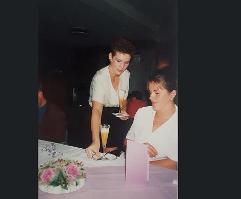 Miriam in bediening opleiding SKB